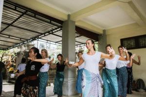 StudyInBali_Ceremonial_Balinese_Dance_web_02