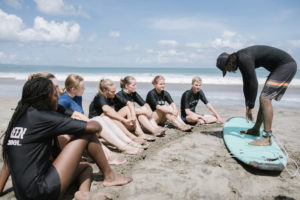 StudyInBali_Watersports_Surfing_03_web