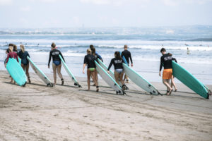 StudyInBali_Watersports_Surfing_12_web